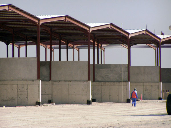 installazione-tettoie-in-alluminio-o-acciaio