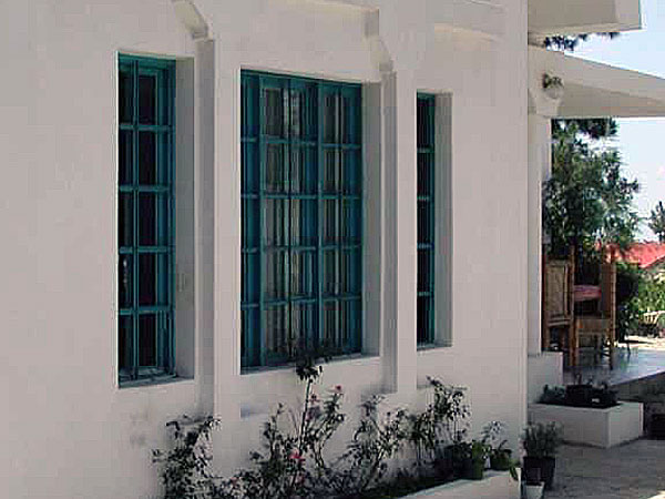 Inferriate apribili fisse per finestre listino prezzi - Grate finestre prezzi ...