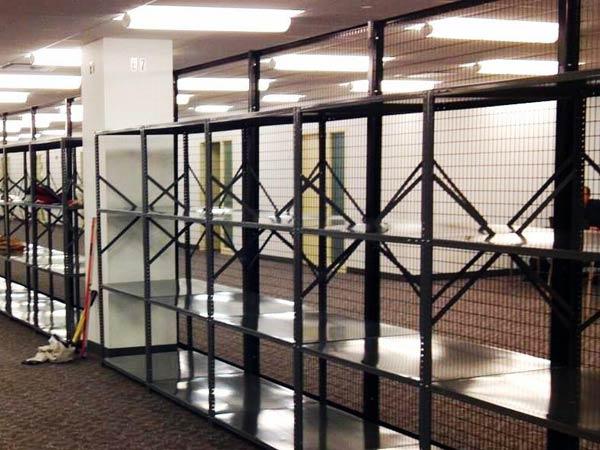 montaggio-scaffalature-metalliche-per-capannoni