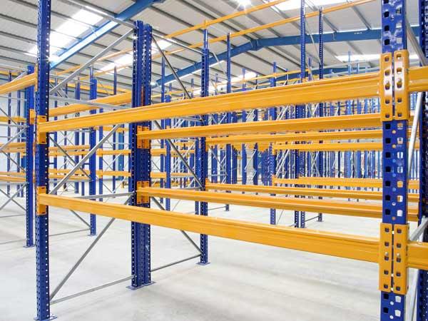 Scaffali Industriali Portapallet.Scaffalature Portapallet Montaggio Installazione Strutture